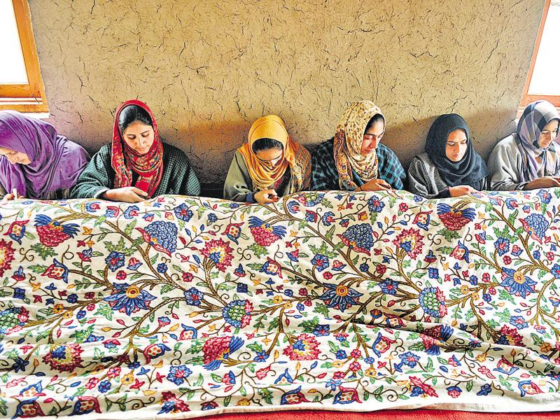 The workers at such centres are paid a stipend of just Rs 700 a month.  (Waseem Andrabi/HT Photo)