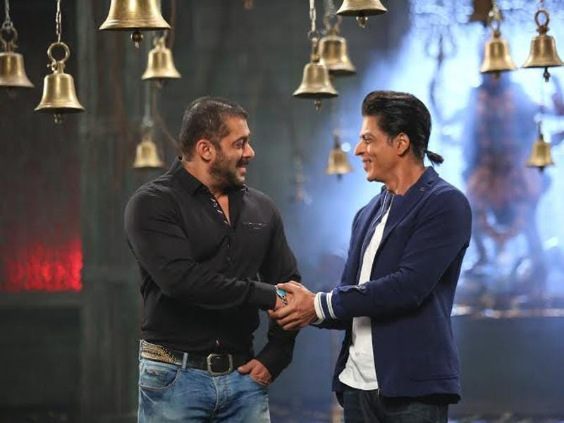 When SRK visits Bigg Boss 9, sparks will fly. (colors)