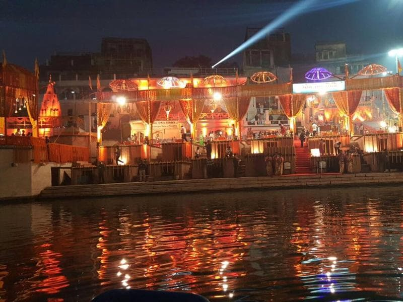 The ghats of the Ganges in Varanasi decorated with flowers ready for evening Ganga aarti. PM Modi and Japanese PM Abe will attend the prayers on Saturday evening. (Twitter/Narendra Modi)