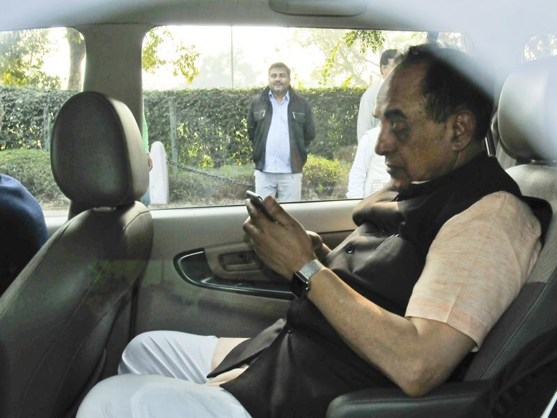 BJP leader Subramanian Swamy, who accused the Gandhis of misusing party funds to acquire properties, mildly opposed bail and asked for restrictions on the Congress leaders' travel during the court hearing. (Ravi choudhary/ht photo)