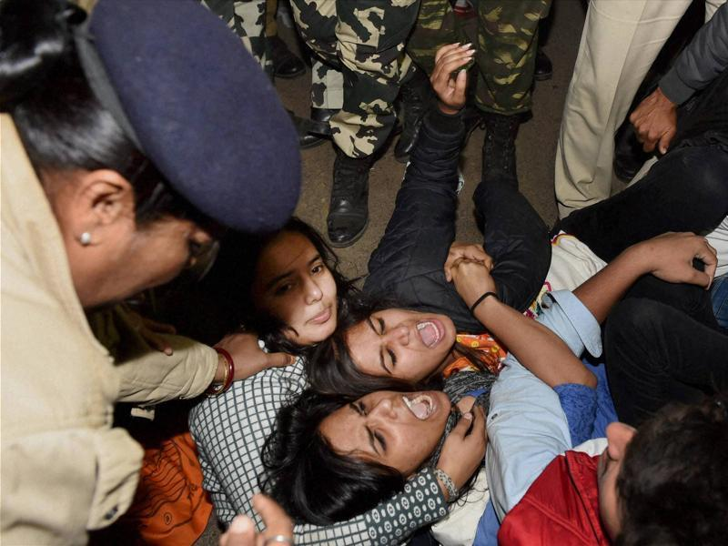 Delhi Police arrested protesters who had gathered at the India Gate to demonstrate against the release of December 16 gangrape juvenile convict. (PTI Photo)
