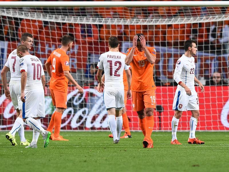 No Euro 2016 for the Netherlands: Netherlands' Robin van Persie (C) after his side failed to qualify for the Euro 2016 championships. (AFP Photo)