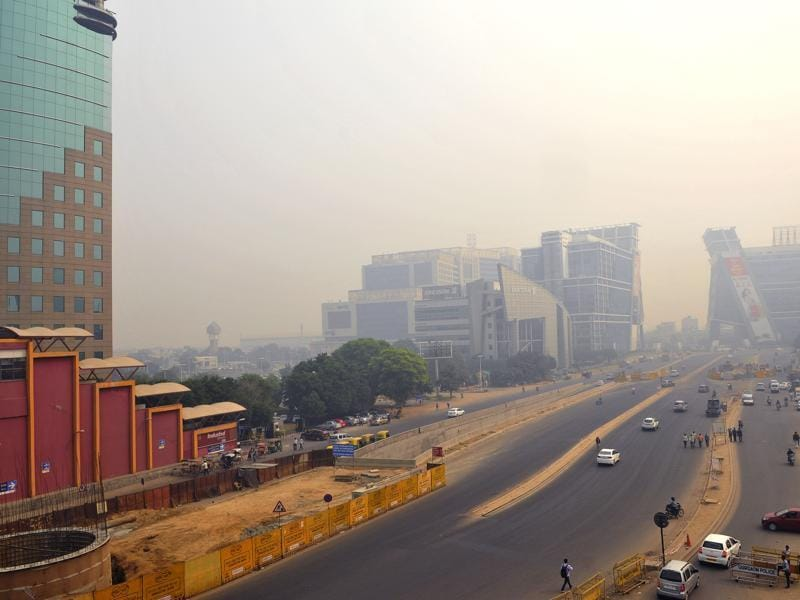 A view of Cyber Hub in Gurgaon after the city was engulfed by thick smog  (Photo by Abhinav Saha/Hindustan Times)