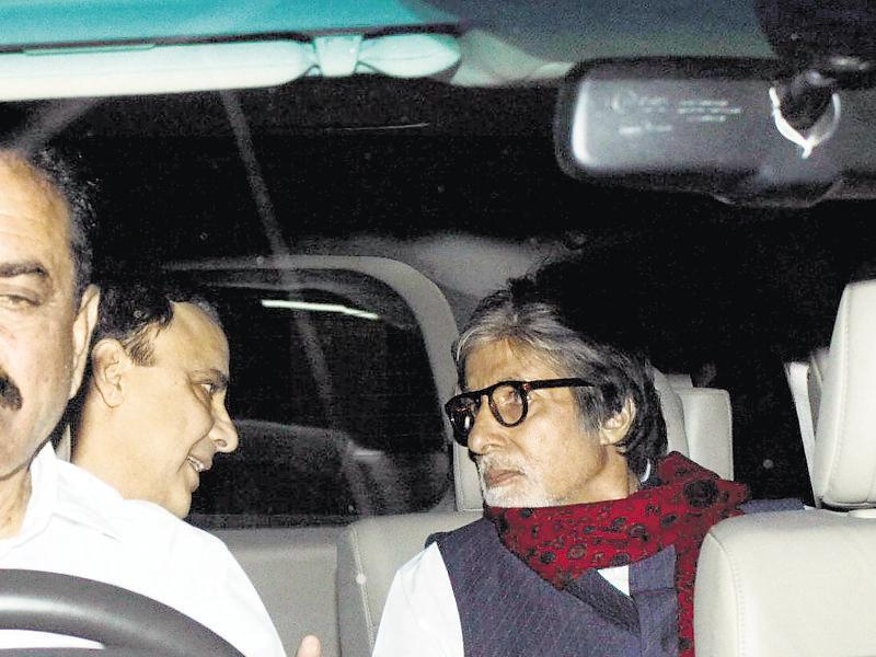 Vidhu Vinod Chopra and Amitabh Bachchan head for a film screening in Mumbai. (Photo: Yogen Shah/HT)