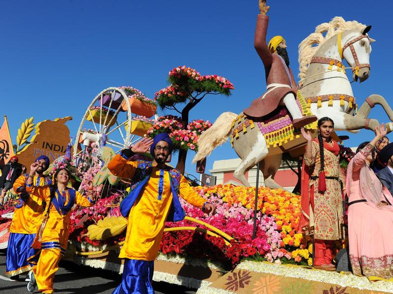 The United Sikh Mission float A Sikh-American Journey moves down Colorado Boulevard in the 127th Rose Parade in Pasadena, California, USA, Friday, January 1, 2016. (AP)