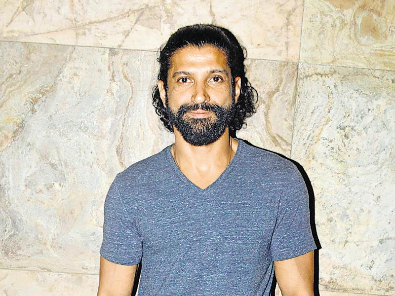 Farhan Akhtar spotted outside a promotional event for Wazir.  (Photo: yogen shah/ Shakti yadav)