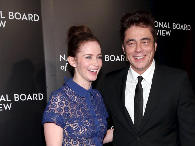 Actors Emily Blunt and Benicio del Toro who co-starred in Sicario, attend The National Board of Review Gala in NYC. (REUTERS)