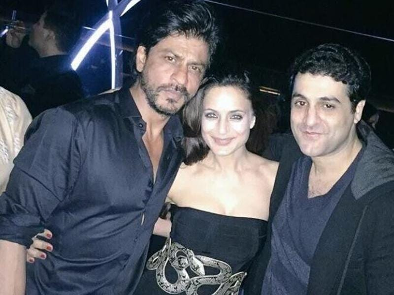The party attended by everyone from SRK to Hrithik's very first co-star Ameesha Patel was held at Four Seasons hotel in Worli, Mumbai. Very impressive we must say Mr Roshan! (Twitter)