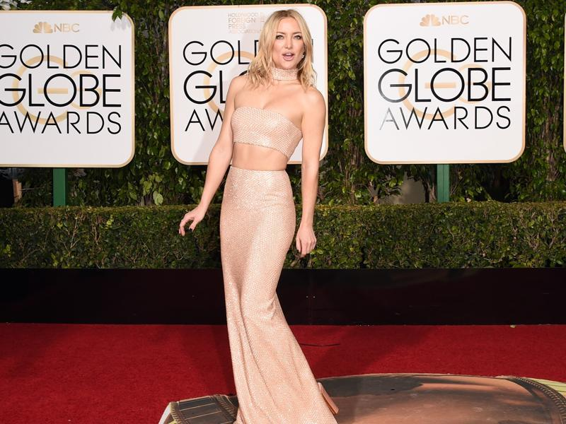 Actress Kate Hudson wore the right gown but someone made the mistake of cutting its midriff off. The actress probably wanted something to wear on her neck. This one is a boo. (AFP)