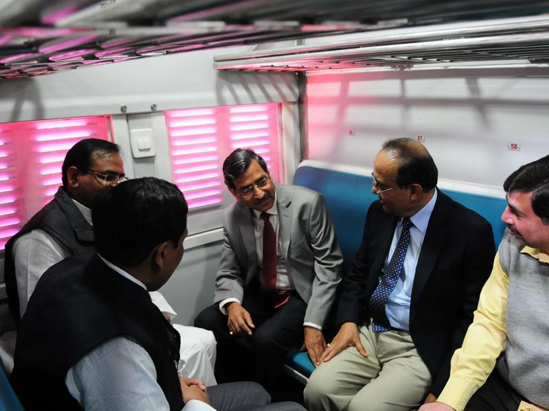 The chairman of railway board AK Mittal, along with other officials, inspected the newly-built model coaches at Habibganj railway station, in Bhopal. (Mujeeb Faruqui/HT Photo)