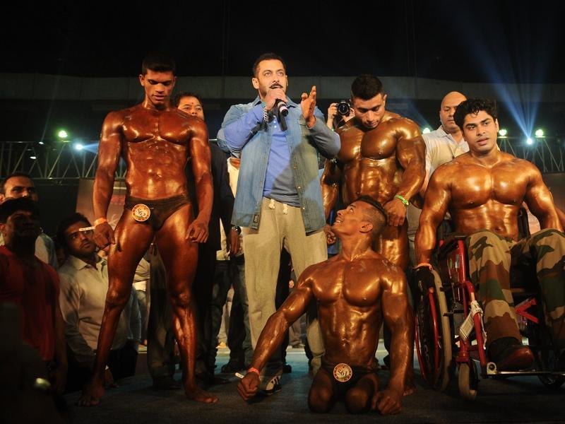 It doesn't get any better: Salman Khan promotes specially abled Athletes at the Body Building competition at BodyPower Expo in Mumbai on 10 Jan, 2016.  (IANS)