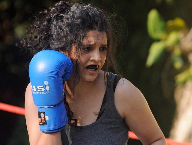 Ritika Singh during a boxing match held for the promotion of her Bollywood debut Saala Khadoos directed by Sudha Kongara.  (AFP)
