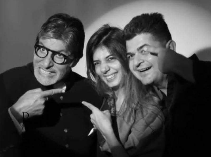 Amitabh Bachchan with Dabboo Ratnani and his wife. (Twitter)