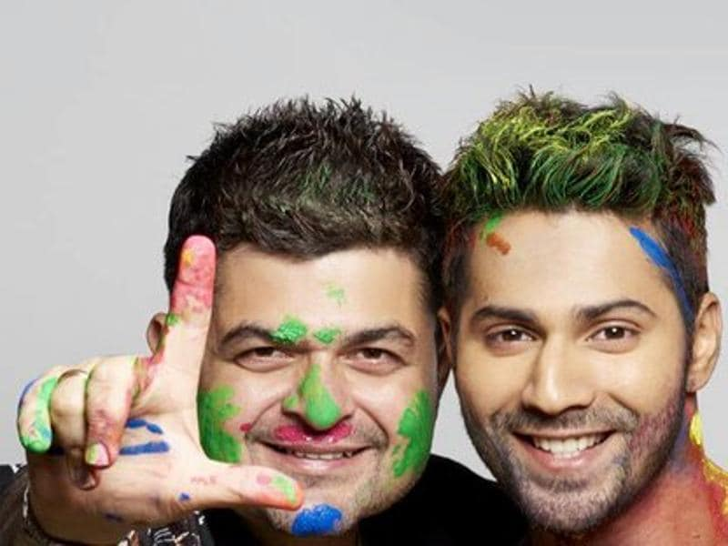 Varun Dhawan clicks a colourful picture with Ratnani. (Twitter)