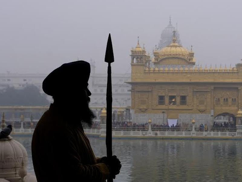 Golden Temple is visited by a large number of devotees, especially on such occasions. (Gurpreet Singh/HT )