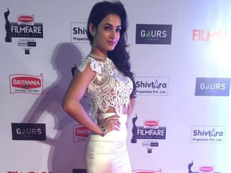 Sonal Chauhan is now gearing up for her forthcoming film Great Grand Masti. (Twitter/Filmfare)