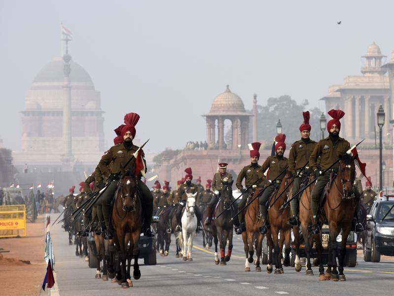 President's Body Guards march past during rehearsal for the Republic Day parade at Rajpath. (Arvind yadav/HT)
