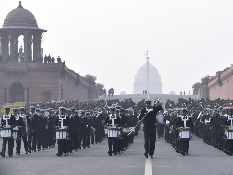 Members of the Indian Army band perform during the dress rehearsal of the Republic Day parade. (Arun Sharma/HT)