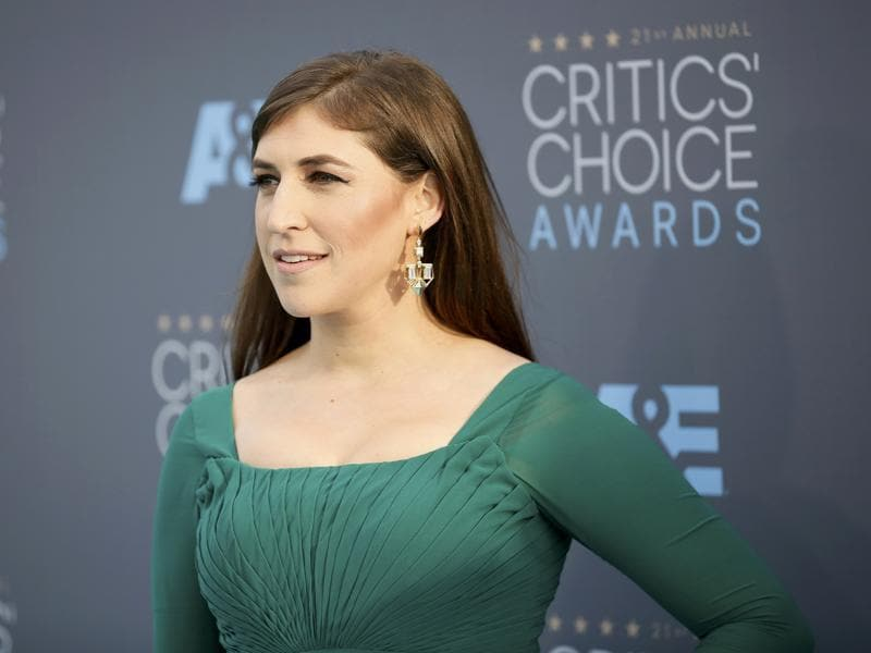 The Big Bang Theory star Mayim Bialik decided to go green. (REUTERS)