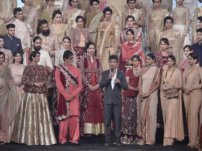 Vikram Phadnis's fashion show where Amitabh walked in the final piece created by the designer, (IANS)