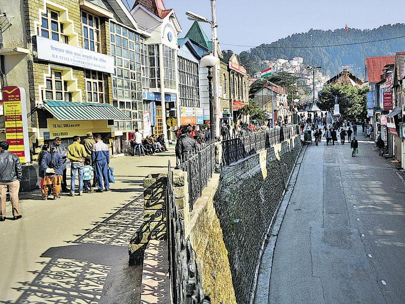 Shimla also receives a decline in the number of tourists as there is no snowfall in the region. (Deepak Sansta/HT Photo)