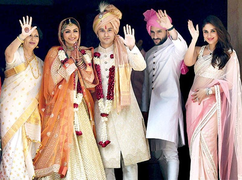 Soha's family, including mother Sharmila, brother Saif and sis-in-law Kareena, were there to give their blessings.  (HT Photo)