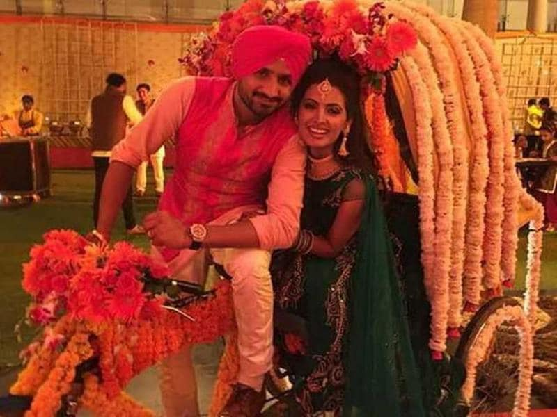 The cricketer's marriage with the Bollywood actor in 2015 was a star-studded affair. (HT photo)