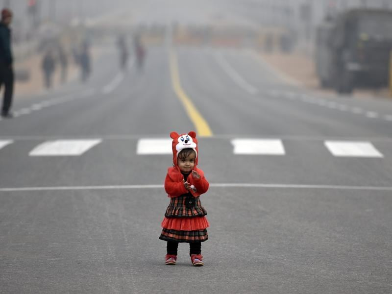 A sole spectator of beating the retreat parade rehearsal at Rajpath in New Delhi. (Ravi Choudhary/ HT Photo)