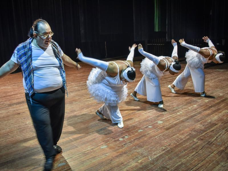 Danza Voluminosa was the brainchild of the group's director Juan Miguel Mas. He wanted to adapt overweight people to modern dance techniques. (AFP)