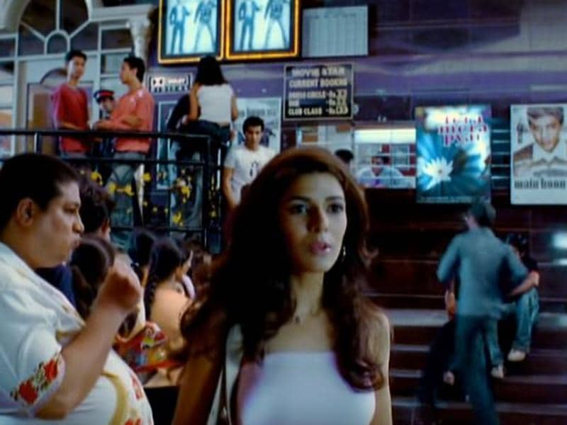 Nimrat's first onscreen appearance was back in 2002 in a music album by Kumar Sanu - Tera Mera Pyaar.
