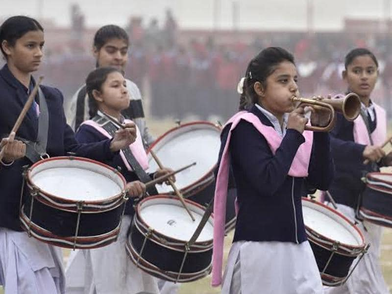 Students from different schools across the city  take part  in R-Day rehearsals. (Gurpreet Singh/HT )