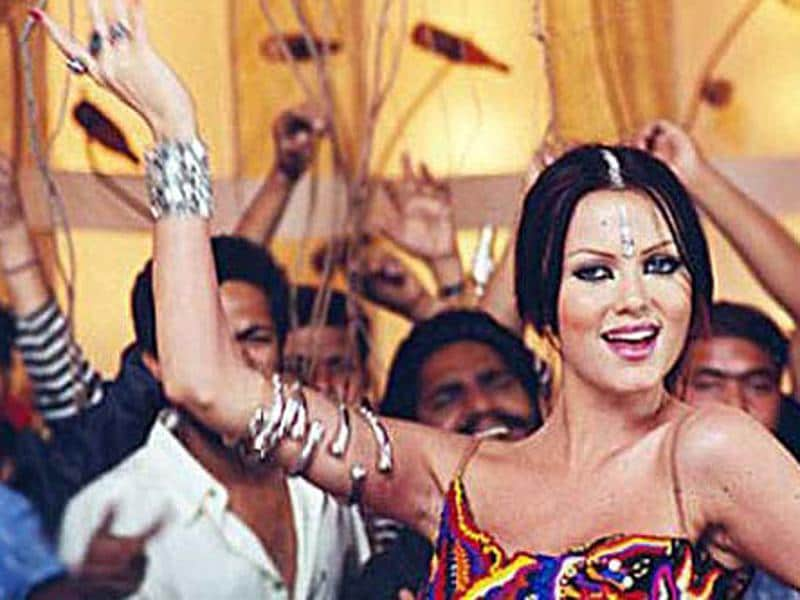 Czech model Yana Gupta made her onscreen debut with the item song Babuji Zara Dheere (Dum, 2003) and ever since has been part of item songs alone.  (Youtube grab)