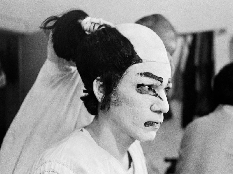 Actor Om Puri in a Kabuki play performed at the National School of Drama New Delhi, 1975. (Photo: PABLO BARTHOLOMEW)