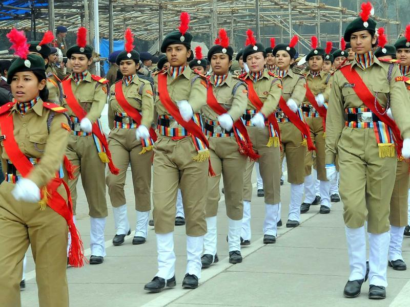 NCC cadets march past during full dress rehearsal of Republic Day in Chandigarh on Friday. (Karun Sharma/HT Photo)
