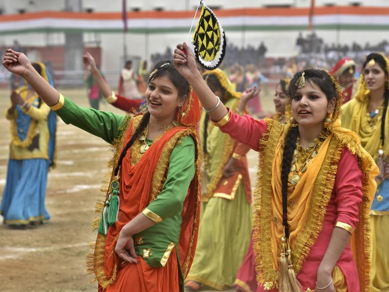 School students performing dance items during the full dress rehearsal to mark the Republic Day celebrations at Guru Nanak Dev Stadium, Amritsar on Saturday. (Gurpreet Singh/HT Photo)