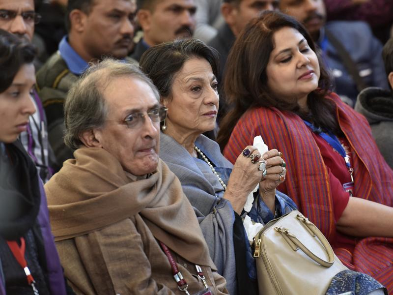"Veteran actor Tanuja listens in during the session The Sialkot Saga at Jaipur. On certain issues Indians are ""over-sensitive"", actor Kajol, Tanuja's daughter, had said at a press conference to release best-seller author Ashwin Sanghi's latest book The Sialkot Saga. (HT Photo)"