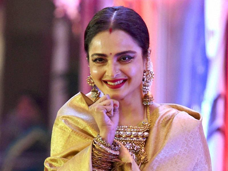 Veteran Bollywood star Rekha was conferred with the 3rd Yash Chopra Memorial award at Mumbai. (PTI)