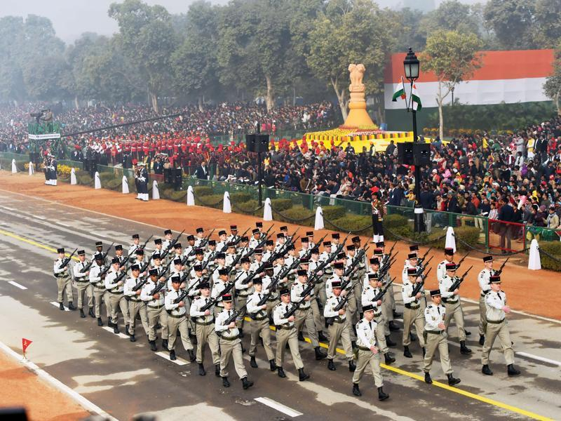 The marching contingent of the 35th Infantry Regiment of the French Army march during India's Republic Day parade in New Delhi, the first time that foreign military soldiers have taken part in the parade.  (AFP Photo)