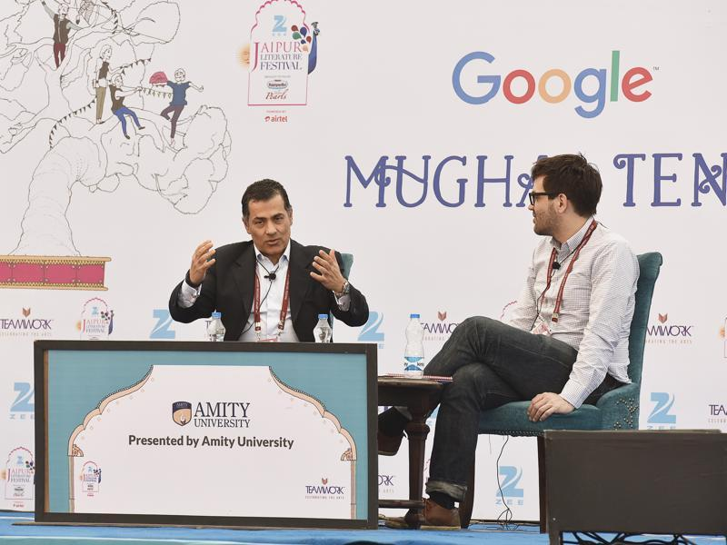 Vali Nasr (L), with Jonathan Shainin (R) during the session
