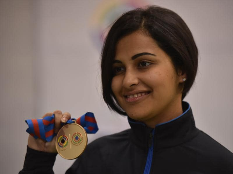 Sidhu with her medal. She qualified for the final by shooting 387 in the qualifying round. (Ravi Choudhary/ HT Photo)