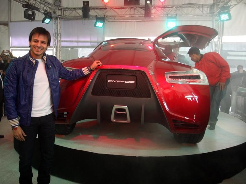 Vivek Oberoi unveils a concept car by Dilip Chhabria during the 10th Auto Expo in New Delhi when DC Design with DY Patil Group launched DYP-DC Center for Automotive Research and Studies. (Raj K Raj/HT File Photo)