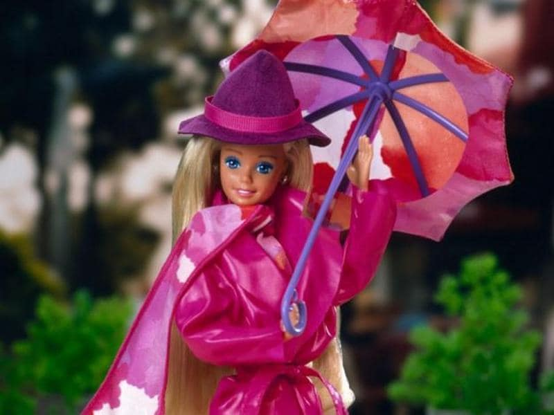 Barbie in 1989 wearing the perfect pink trench! (Mattel)