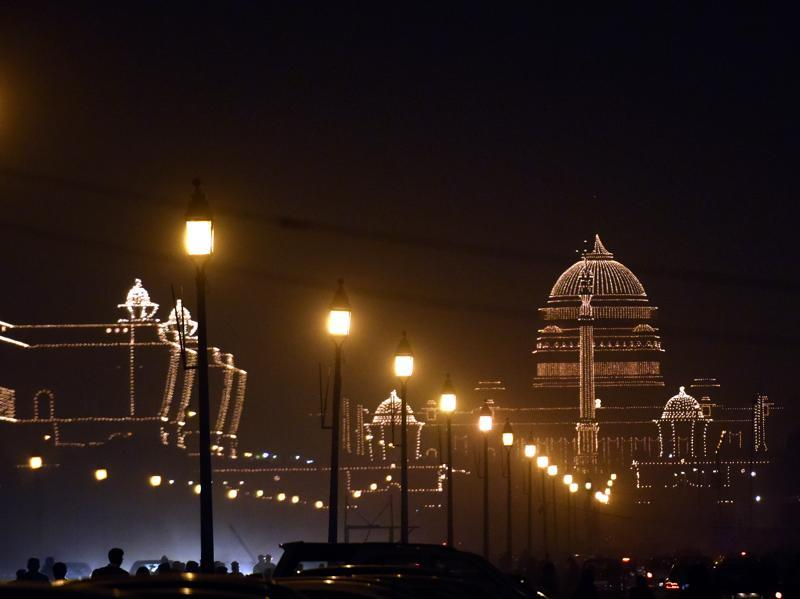 A View of an illuminated stretch leading up to President House (Rashtrapati Bhawan) on the evening of the Beating the Retreat ceremony. (Sonu Mehta/HT Photo)