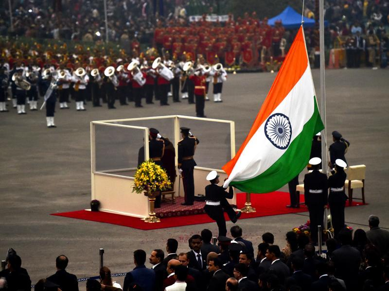The national flag gets lowered as the Beating Retreat ceremony comes to an end. (Ajay Aggarwal/HT Photo)