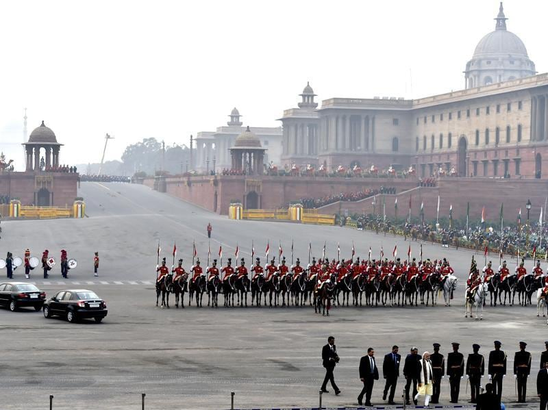 Beating Retreat ceremony begins at Vijay Chowk. (Ajay Aggarwal/HT Photo)