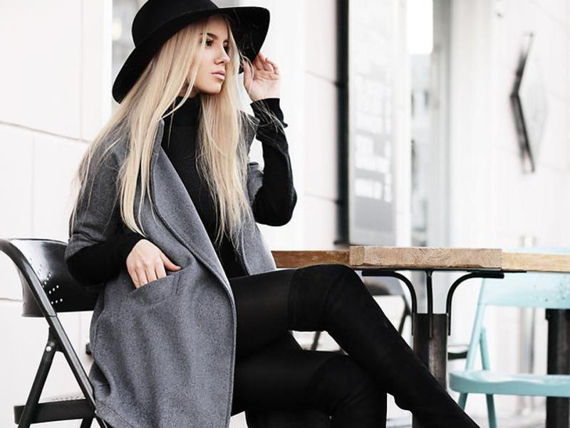 Kristina, model and blogger from Ukraine. A grey long coat never failed anybody. (lookbook.NU)