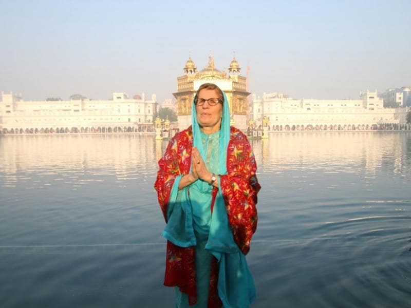 Ontario premier Kathleen Wynne at Golden Temple in Amritsar on Sunday. (Sameer Sehgal/HT Photo)