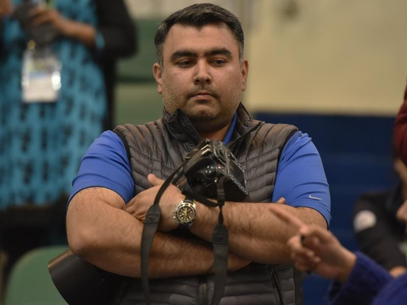 Shooters Gagan Narang with his new gun during the Asian Olympic Qualifying Competition. (HT Photo)