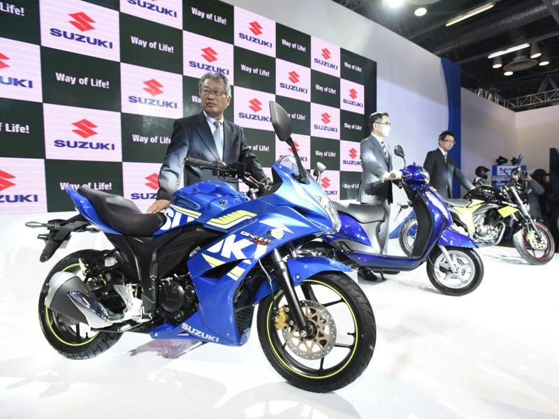 Suzuki India revealed the Gixxer SF Fi at the Auto Expo 2016 in Greater Noida on Wednesday.  (Mohd Zakir/HT Photo)