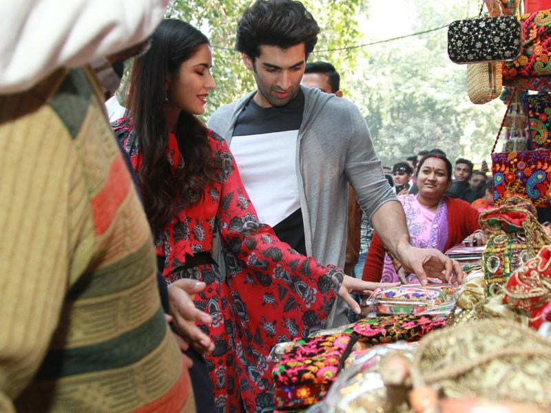 Aditya Roy Kapur and Katrina Kaif at Janpath market.  (PHOTO: WASEEM GASHROO/HINDUSTAN TIMES)